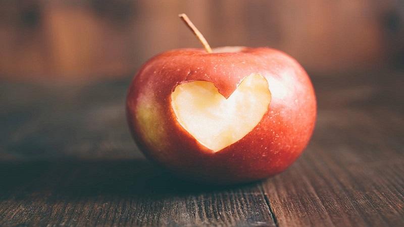 چرا سیب برای قلب مفید است؟